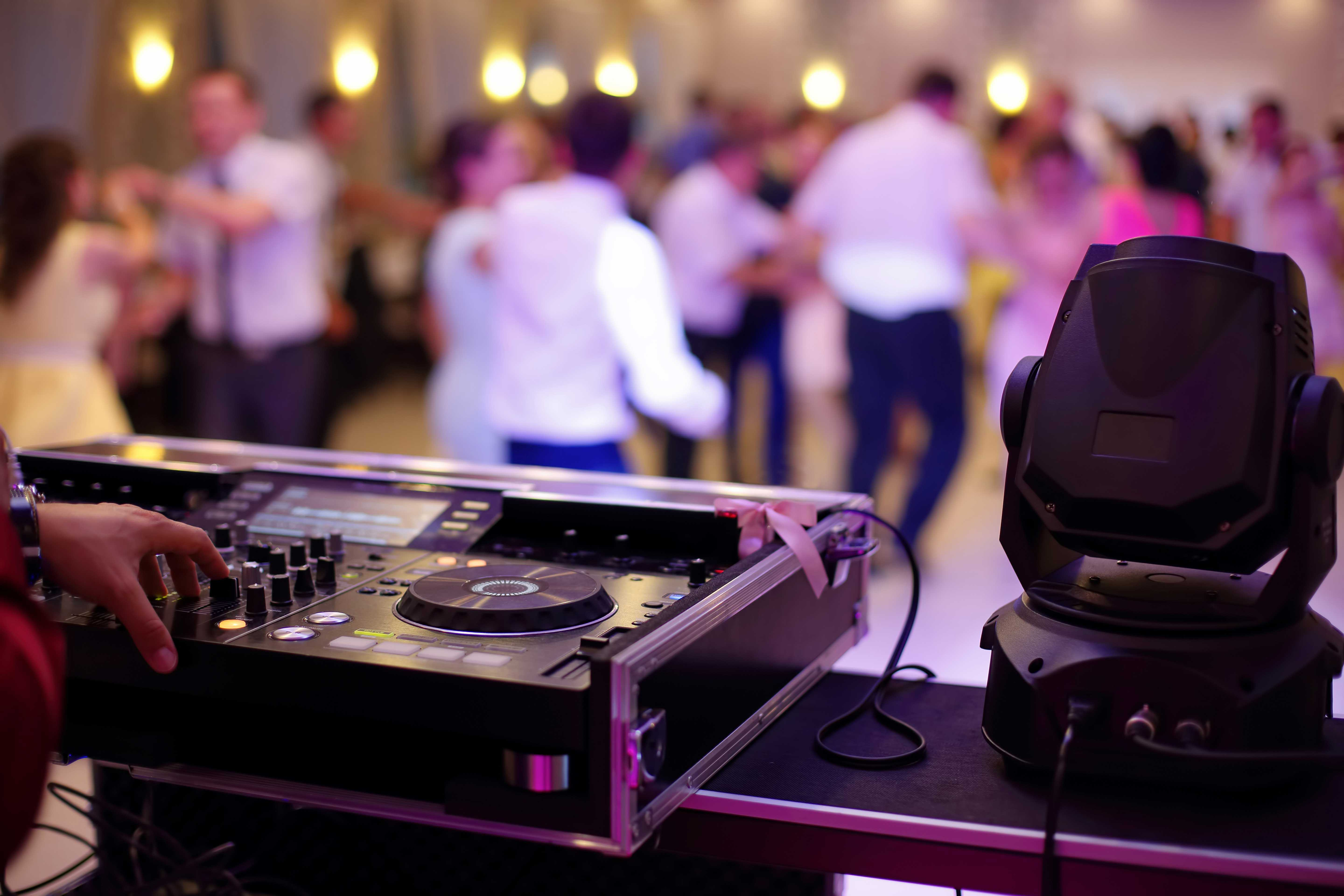Entertainment & Decor | Fort Myers Events | Bay Inn at the Lani Kai