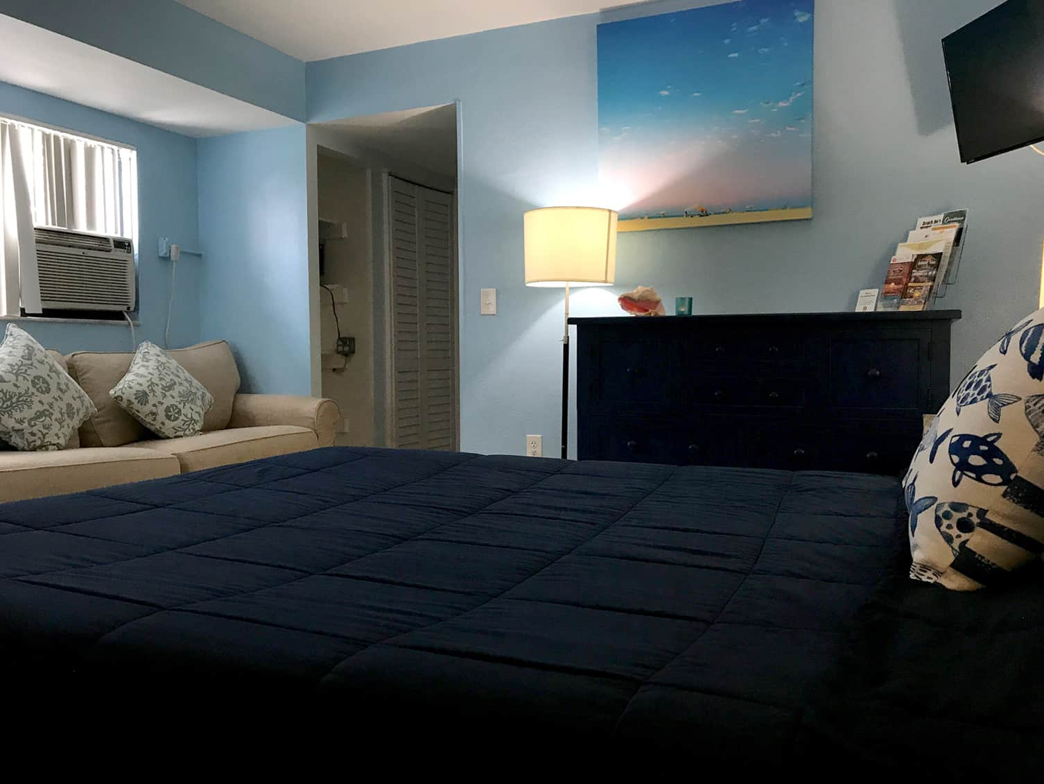 Bay Inn Deluxe Two Bedroom Suite | Bedroom | Rooms Available
