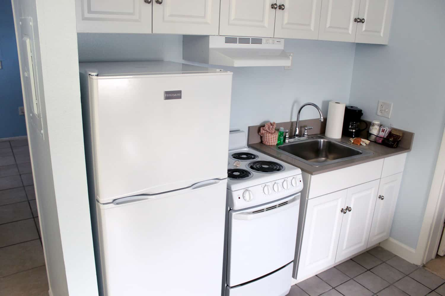 Bay Inn Deluxe Two Bedroom Suite | Kitchen | Rooms Available