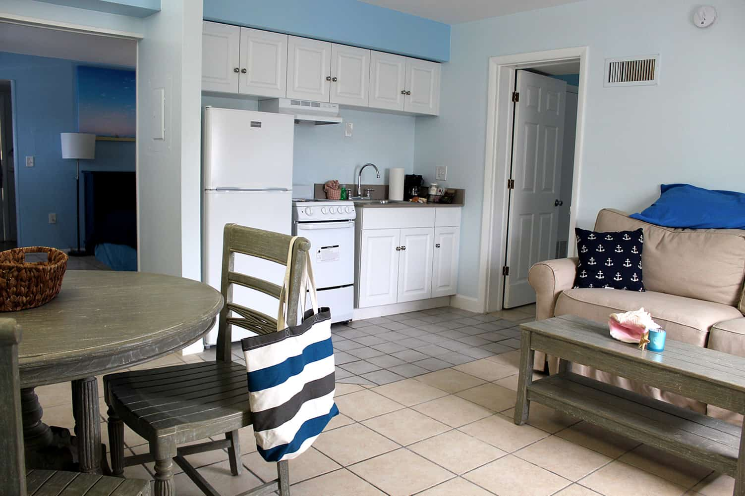 Bay Inn Deluxe Two Bedroom Suite | Living Room | Rooms Available